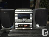 RCA DVD player - $5 Panasonic DVD-VCR combo. In box