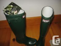 Dark eco-friendly Seeker brand name rubber boots. New -