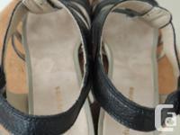 Hush Puppy size 10 medium US leather wedge heel