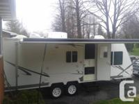 2006 Palomino Stampede 21ft trailer. Hybrid (front end