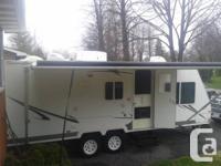 2006 Palomino Stampede 21ft trailer. Hybrid (front end