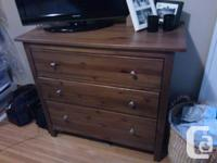 I'm offering an entire 4 piece bedroom set for $200 ?!