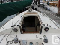 1978 J24 Sailboat. 24' Racer/Cruiser, 7 sails, 4 hp