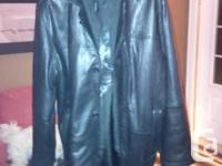 Men?s leather coat, (Britches) Dimension Large, Switch