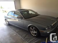 Beautiful 2007 Jaguar Vanden Plas.  Silver Blue