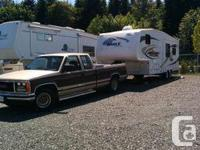 PRICE DROP!!!! 28.5 RLS Super Lite 5th Wheel. Tow with