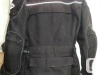 Like new. Size: Men's Large Reinforced shoulders and