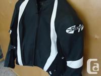 Joe Rocket Ladies Leather Jacket Size L - In mint