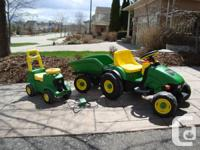 John Deere Peg Perego Farm Animals Hay Ride Tractor w/