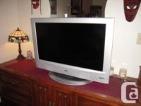 JVC 32 inch LCD TV (capable of receiving HD signals),