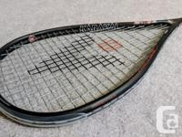 I am selling my Karakal SN-90 FF squash racquet because