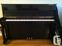 KAWAI KX15 Upright Piano   Beautiful black