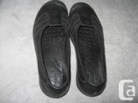 Very cute Keens dress flats, black leather, size US9 or