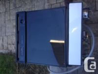 Kenmore Dishwasher lightly used reversible colours. Can