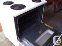 very clean and in excellent condition a white Kenmore