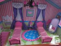 We are selling this dollhouse as my daughter has