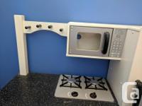 KidCraft wooden corner toy kitchen in great shape