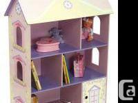 FEATURES Wooden bookshelf for kids features 3 shelves