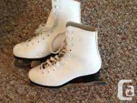 Girls figure skates size 2 - excellent condition -