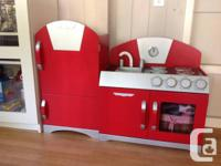 Fantastic kids play kitchen. In fantastic condition.