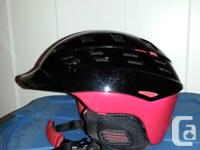 Red and black Smith variant helmet near new. Size M