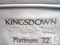 Kingsdown Platinum 32 Queen Mattress Set. Mattress and