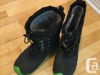 Black with green trim Kodiak winter boots, size 6