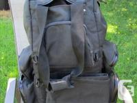 Kuryakyn Tailbag . $75, no rips or tears, all zippers