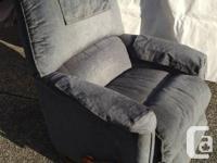 2 La Z Boy Chair  Blue fabric La Z Boy chair, recliner,