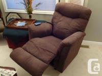 Beautiful La-z-Boy power recliner. Almost new. In
