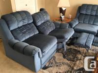 LA-Z-BOY SOFA HIDE-A-BED & DOUBLE RECLINER LOVE SEAT