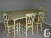 Shabby Chic Dinning Room Table and 4 Chairs  Beautiful