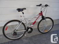 Selling an adult size ladies RALEIGH commuter mountain