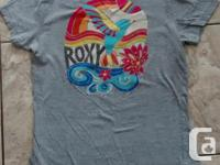 Ladies Roxy T-Shirt in great condition. Size Large.
