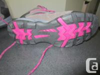 Ladies size 6M HI-TEC hiking boots. Never worn, bought