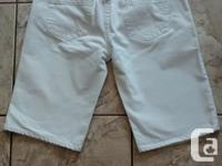Ladies White Jean Shorts from Bluenotes in great