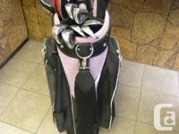Ladies Wilson Right Handed Luxe Golf Clubs with Bag,