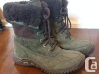 Ugg Adirondack Boot II. Green. Bought last year, worn for sale  Quebec