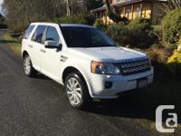 Make Land Rover Model LR2 Year 2011 Colour White kms