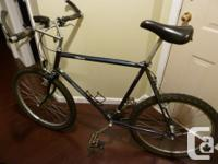 1990s-style mountain bike in good condition. Large
