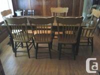 Beautiful large pine harvest table and 6 oak pressback