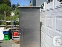 "62 ""TALL, 26"" WIDE , 30"" DEEP INSULATED WALLS & DOOR"