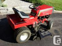 CANADIANA /NOMA Riding Mower Briggs and Stratton 11 HP