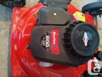 """Poulan 158cc 22"""" deck lawnmower like new,tuned up and"""