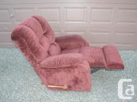 Very clean and comfortable La-Z-Boy chair. Very good