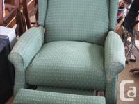 Wing Back style Lazy Boy recliner in excellent