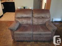 I have 2 lazy boy recliners there in good condition one