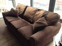 Were selling our sofa and recliner!