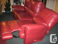 like new elran 3 seater lazy boy 71iches wide.Can be