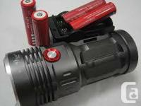 UltraFire 12W 1800Lm CREE T6 LED Zoomable Flashlight